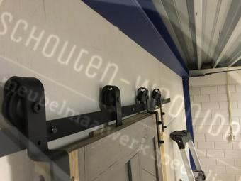 kastenwand schuifdeursysteem loftdeur plafond schuifdeurrails losse schuifdeuren voor kast monteren