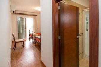 Eingang 3. Schlafzimmer und Bad