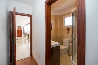 Eingang 2. Schlafzimmer und Badezimmer