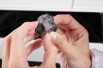 3D gedruckter Stecker und Steckkontakte als Serienteile aus dem HP Jet Fusion 3D Drucker
