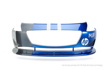 3D gedruckte Auto Stoßstange aus dem 3D Drucker HP Jet Fusion