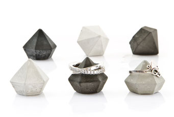 Set of 6 Mini Concrete Diamonds by PASiNGA