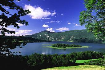 lac d'aiguebelette en savoie