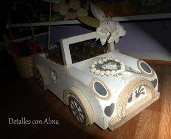 Sorprende a tus invitados llevando tus detalles en este fabuloso coche