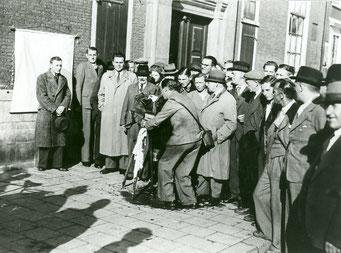 De invoering van de identificatieplicht en vooral de invoering van het Persoonsbewijs betekenden gouden tijden voor de Nederlandse beroepsfotografen.