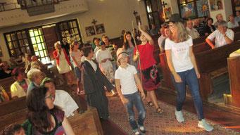 Zum Start ins neue Schuljahr gab es am 11.September eine Familienmesse, in der sich Kinder zum Evangelium vom guten Hirten verkleiden durften.