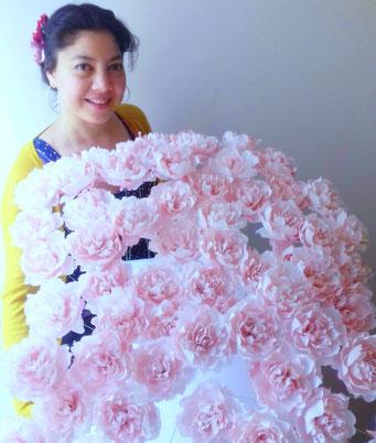 Atelier artisan de fabrication de fleurs en papier sur Paris