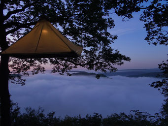 Übernachtung im Baum, Baumcamping, Baum Camping, Portaledge, skurrile Übernachtung, außergewöhnliche Übernachtung, Abenteuer, Cloef, Mettlach, Saarschleife, Saarland, Hängezelt