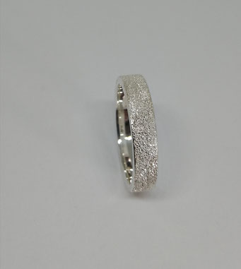 SILBERRING 4mm  59 Euro