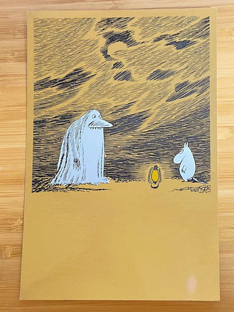 左がモラン、右がムーミン。(MOOMIN EXHIBITION from Tampere Art Museum Moominvalley 2014-2015 POSTCARDより引用)