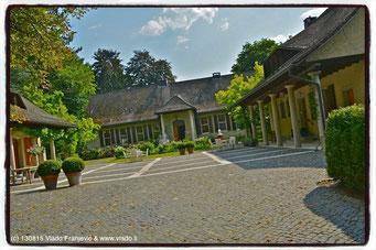 Eingang in STEIN-EGERTA Erwachsenenbildung in Schaan, F.Liechtenstein