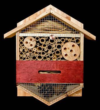 """Das """"Insektenhotel"""" von LIDL. Naturschutz vom Feinsten für schlappe 10 Euro!"""