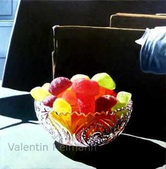 Gemälde mit Geleefrüchten und Glasschale