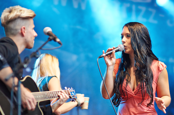 Live Musik mit Partyband in Frankfurt Hanau Hochzeitssängerin