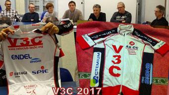 Le bureau et les nouveaux maillots 2017: merci à nos sponsors...