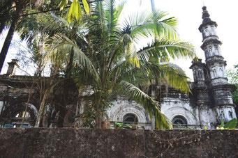 破壊されたモスク(写真はシットウェ)