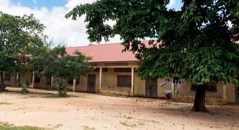ドンパー小学校の外観(IROHA提供)
