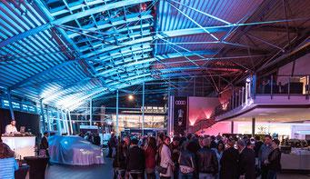 Der Audi Showroom von Fischer Automobile bei der Markteinführung des neuen Audi e-tron.  Foto: Moritz Mümmler