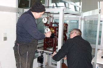 Matthias Riedel und James Wilhite beim letzten Check, Foto: Franz Janka