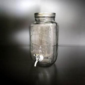 Getränkespender aus Glas im vintage Stil individuell befüllbar