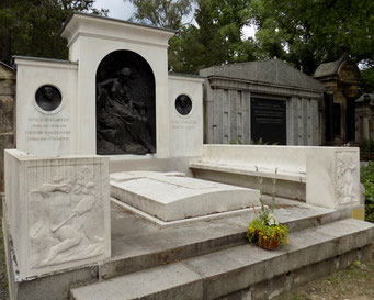 Robert Diez Grabmal Schweighofer Johannisfriedhof Dresden Bild: Susann Wuschko