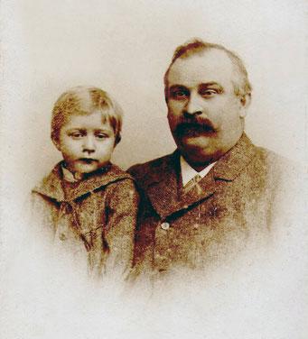 Albert Hollenbach mit seinem vierjährigen Söhnchen Johannes, 1892