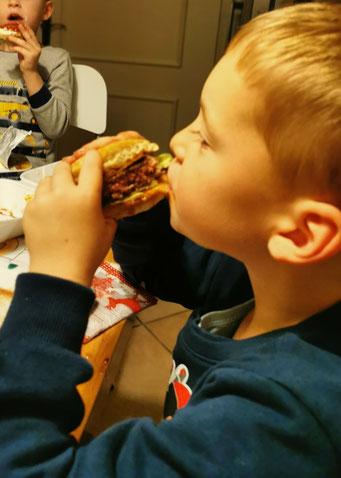 Leckere Burger gibt es beim Udo von der Festung