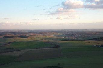 Der Limes bei Buchen - Landschaftsimpression mit Blick über Rinschheim zum Schwäbisch-Fränkischen-Wald