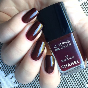 swatch CHANEL ROUGE NOIR 18