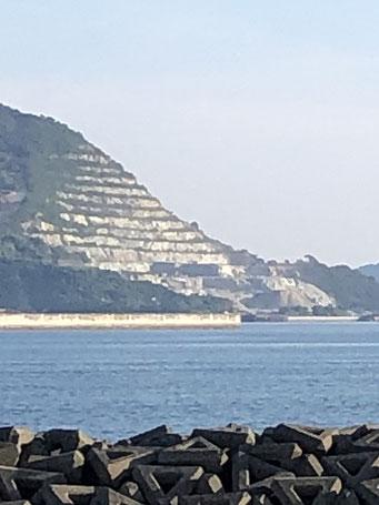黒髪島の採石場