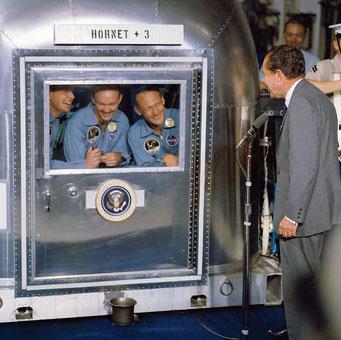 アポロ11号隔離コンテナとニクソン大統領