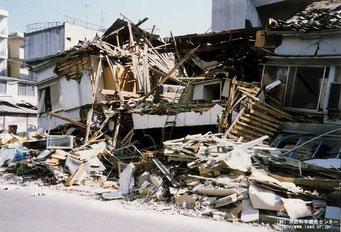 阪神淡路大震災 建物の倒壊