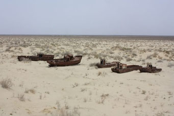 船の墓場 アラル海