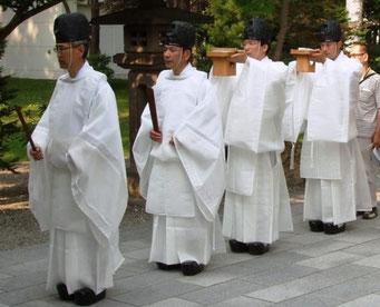 神職の夏衣装