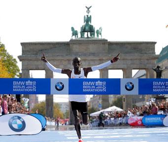 ベルリンマラソン2018 キプチョゲ選手 2時間1分39秒