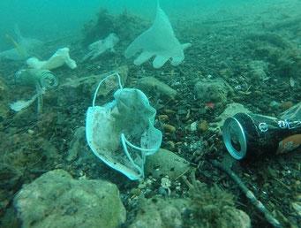 海を汚染するコロナごみ