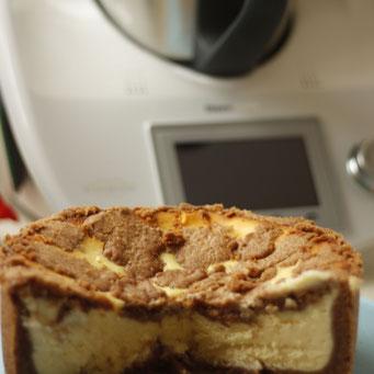 Gerade Mütter vergessen oft, sich ein großes Stück vom Kuchen abzuschneiden.