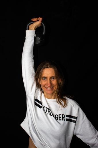 Andrea Hache Yoga Outdoor Fitness Funktionelles Training Kettlebells Heidelberg Neckargemünd