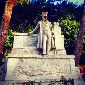 Il monumento a Giuseppe Gioachino Belli