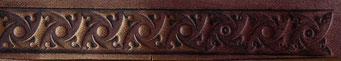 Frise réalisée sur du cuir végétal naturel à l'aide du matoir K139