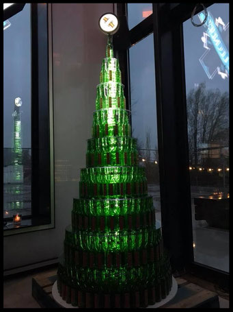 Verlichte kerstboom display - Ronde bolle lichtreclame