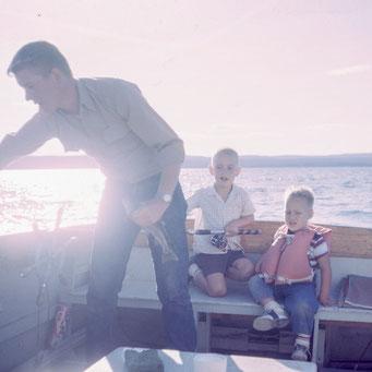 Bootsausflug für die Familie, See, baden und schwimmen für Groß und Klein
