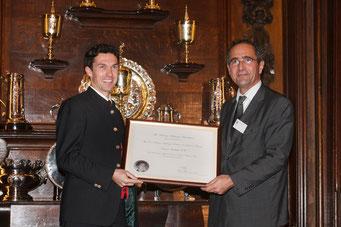Verleihung der Bollinger Medaille durch E. Bizot, Chairman Bollinger Foundation