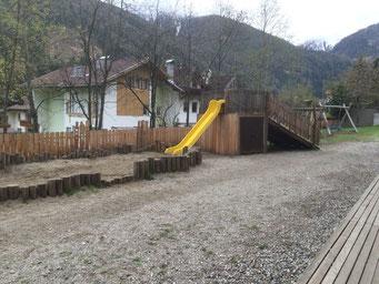 Spielplatz beim Kindergarten in Weißenbach im Ahrntal - Südtirol
