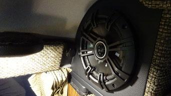 アメリカオーディオブランド・KICKER製スピーカーを標準装備し音質が更に向上しました。