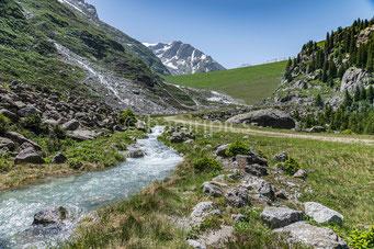 Blick vom Jäntelboden zum Staudamm