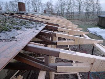 Deatilaufnahme der ergänzten Dachbinder. Foto: Andreas Ehresmann, 12.12.2008