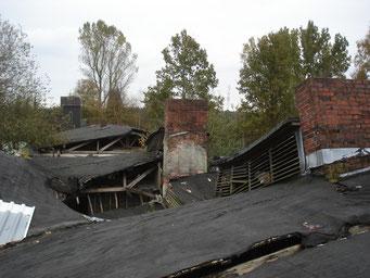 Ansicht des eingestürzten Küchendachs. Foto: Andreas Ehresmann, 20.10.2007