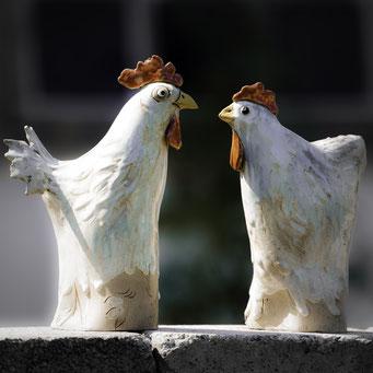 Hahn und Henne aus Keramik