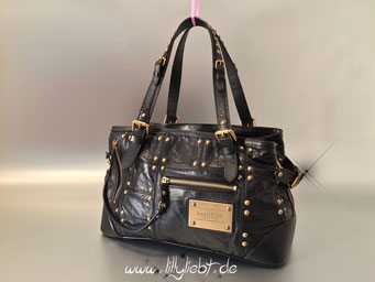Louis Vuitton Riveting in Schwarz